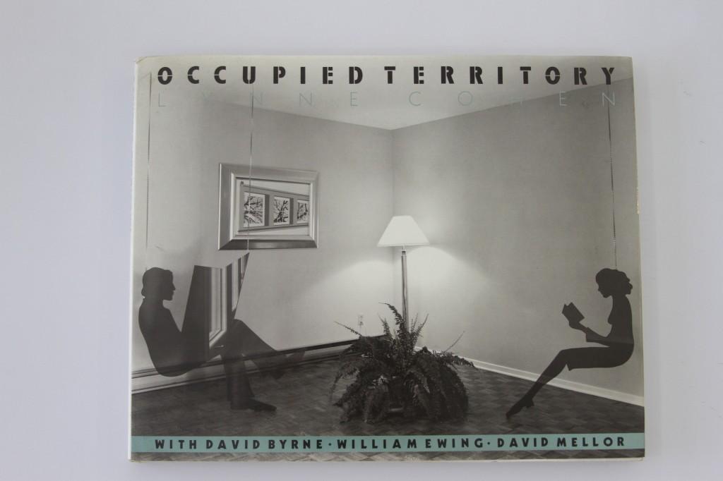 Occupied Territory de Lynne Cohen 1