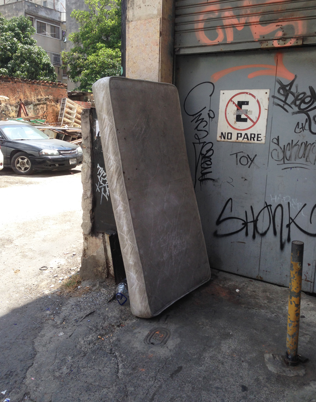 Geometría radical en Caracas de Luis Molina Pantin 2
