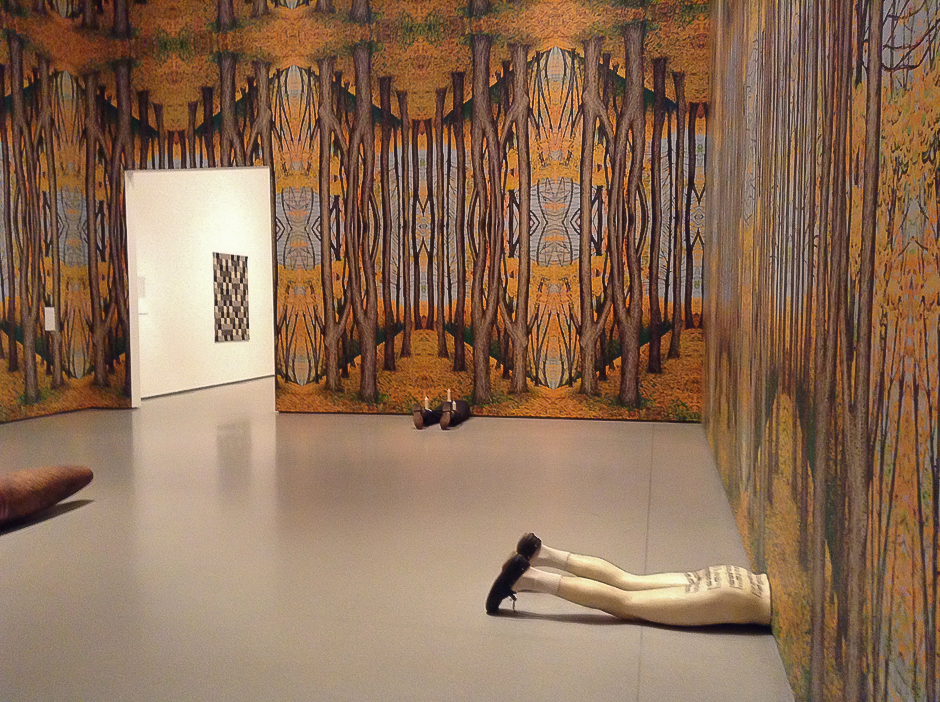 The Heart Is Not a Metaphor de Robert Gober 2 panoramicroom-legs