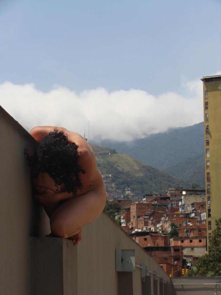 Del caño a la sucre. 2009. Fotoperformance. Fotografía de Henry Rojas.