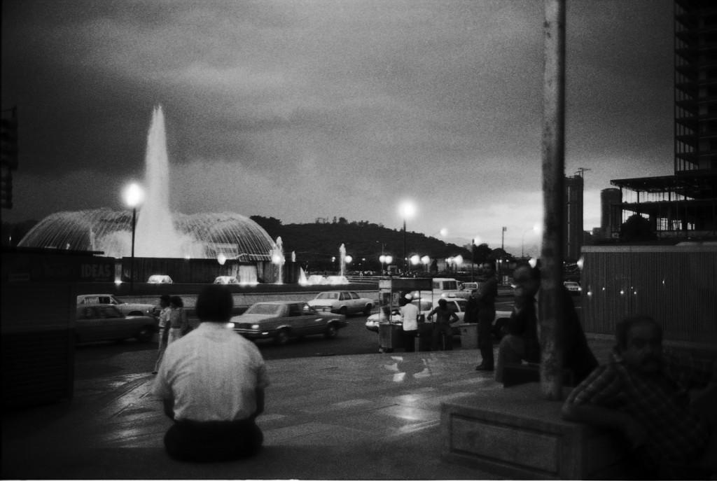 De la serie La Noche. 1982. Fotografía de Ricardo Jiménez, Archivo Fotografía Urbana