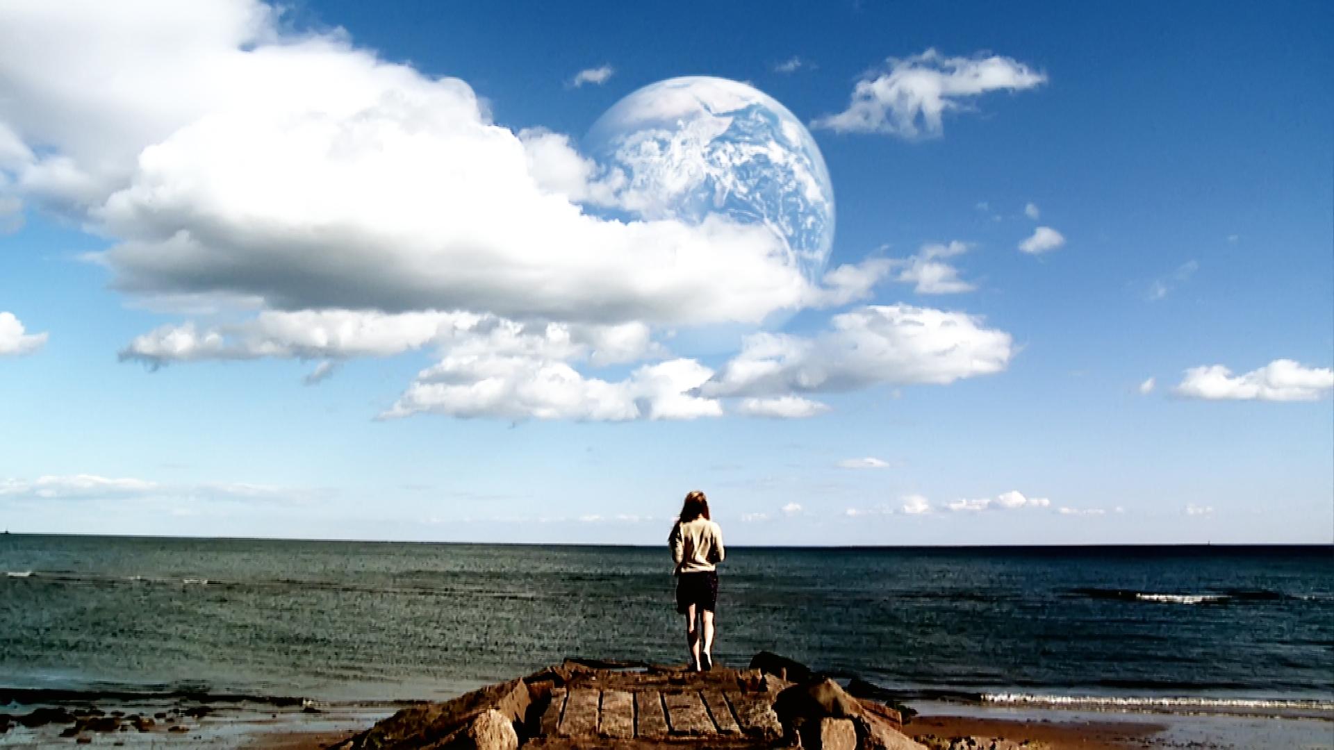 Fotograma de «Another Earth» (2011), de Mike Cahill.