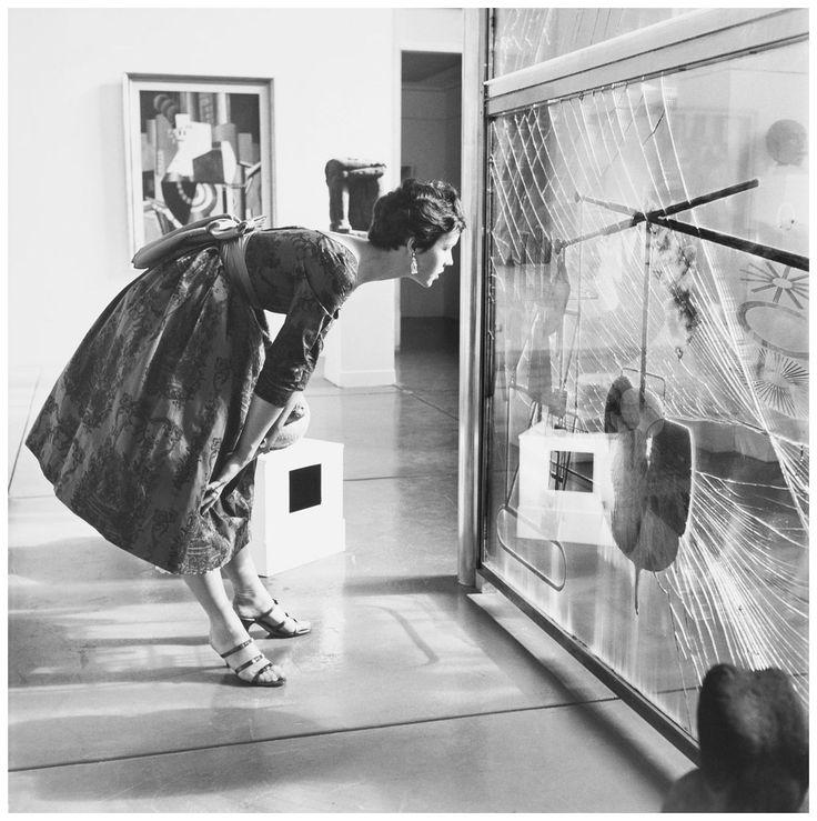 Hermann Landshoff. El Gran Vidrio de Marcel Duchamp (vista de instalación). 1954.